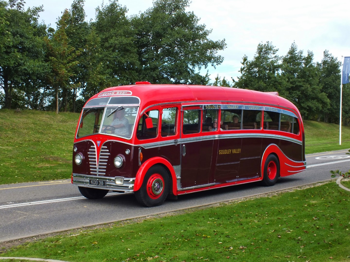 i hadn t seen this gloucestershire classic for a while the memory of forest of dean based soudley valley is revived by kdd 38 a 1950 aec regal iii 9621a  [ 1440 x 1080 Pixel ]