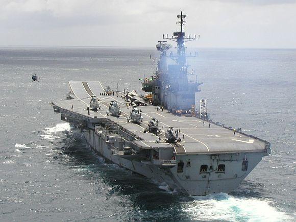 Kapal Induk INS Viraat India Alamai Kebakaran, Satu tewas, empat cedera