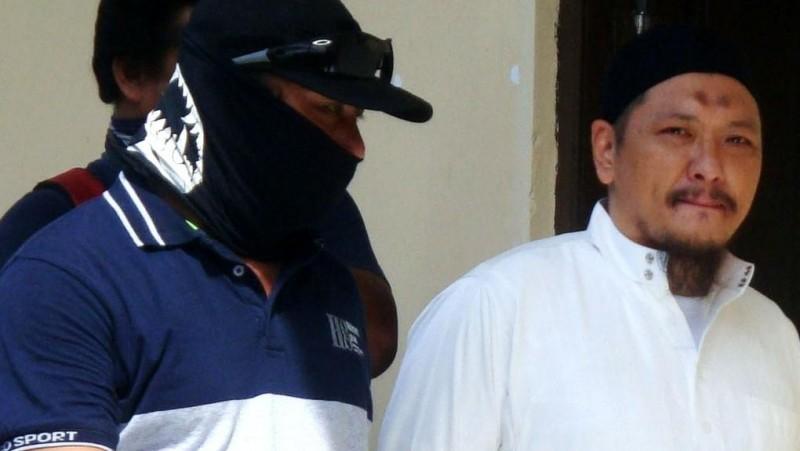 Freddy Budiman (kanan) saat mengikuti sidang peninjauan kembali di PN Cilacap