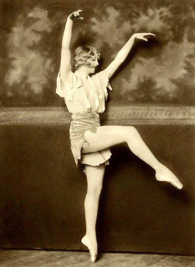 35 Beautiful Portrait Photos Of Ziegfeld Follies Showgirls