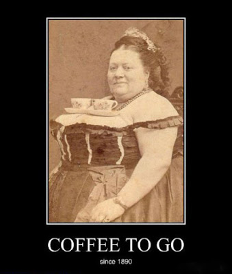 Kaffee to go lustig - Frau mit Kaffeetassen