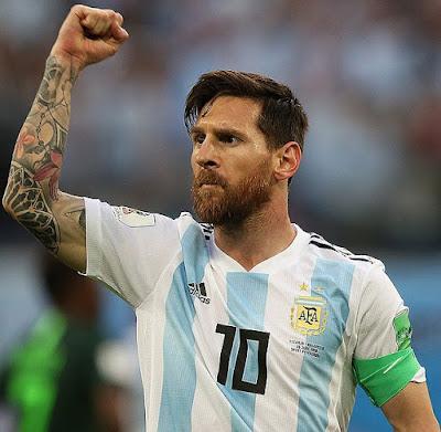Lionel Messi sente diferente jogando para Barcelona do que seu país