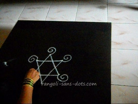 simple-kolam-step-1.jpg