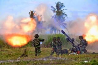 http://2.bp.blogspot.com/-Lt-Jbm3BnEs/U6OkKN7YpGI/AAAAAAAACYo/VEuVHubVMwY/s1600/Formasi-Perang-Latgab-2014-15.jpg