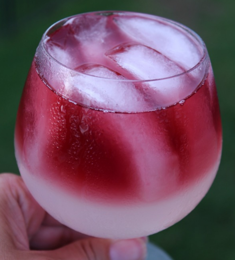 Call Me A Cab Vodka Lemonade Wine Cocktail #drink #cocktail