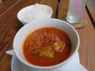ミャンマーのナマズカレー