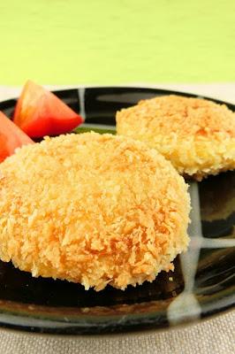 かる〜〜い食感の超☆簡単なカレーはんぺんコロッケ!