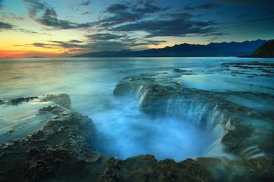 Memotret air di Liang Bala