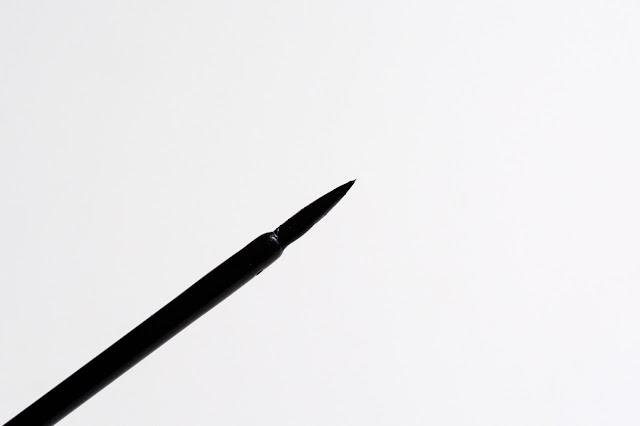 Estrade жидкая цветная подводка для глаз Provocateur «Черная» отзывы