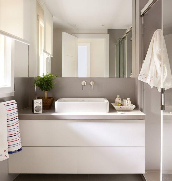 Espejos, ideales para conseguir que tu baño luzca más elegante