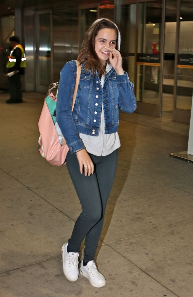 Bailee Madison Travel Outfit in Toronto Pearson International Airport