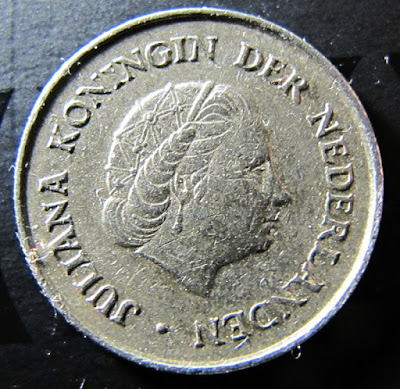 Obverse of 1973 Netherlands 25 Cents, Queen