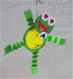 Idea to make frog from paper for kids