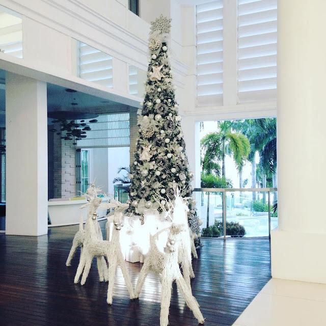 Mövenpick Hotel Mactan Island Cebu Christmas Tree