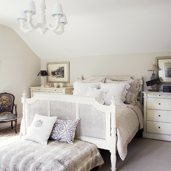 Country Chic Bedroom Decorating Ideas: New Home Interior Design: Elegant Country Bedroom