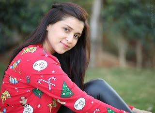 Actress Mannara Chopra Latest Poshoot Gallery  0014.jpg