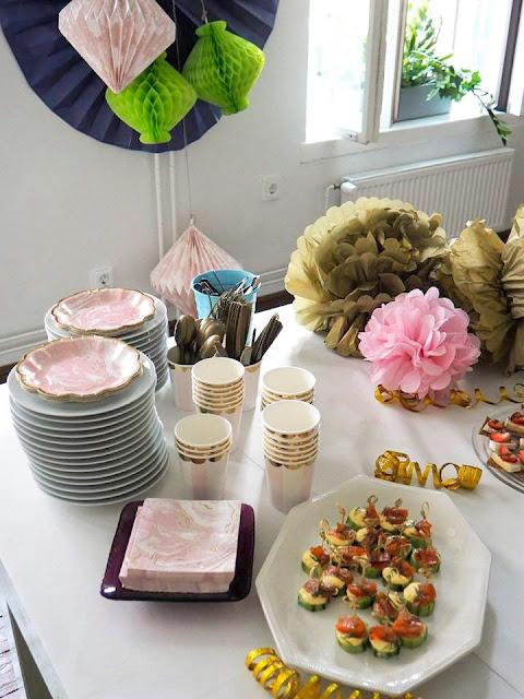 Juhlapöydän menu, juhla menu, coctail menu, pikkupurtavaa, Kahvituspalvelu Makea, Cafe Aulis, Suklaa Täplä