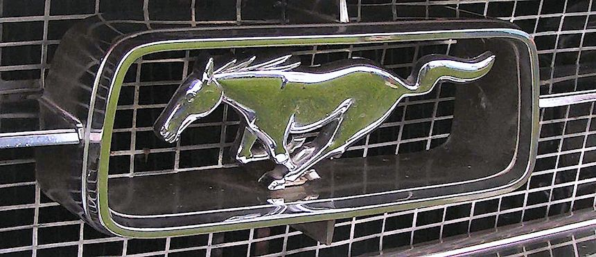 Ford Mustang emblem chrome