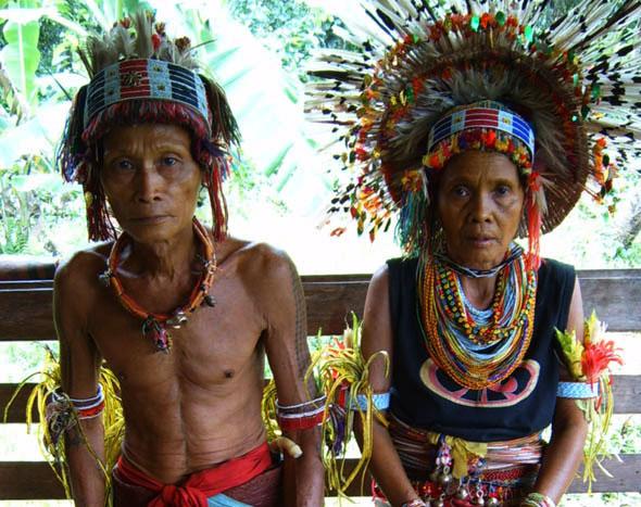 Foto perkawinan adat suku mentawai