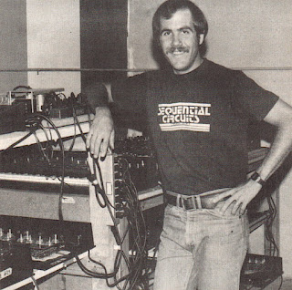 Dave Smith, presidente de Sequential Circuits en la factoría y sede de la empresa en San José, California, circa 1978.