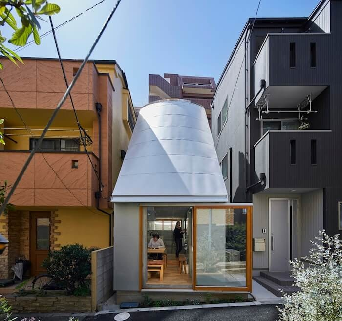 01-Front-Elevation-Takeshi-Hosaka-Tiny-Home-in-Japan-www-designstack-co
