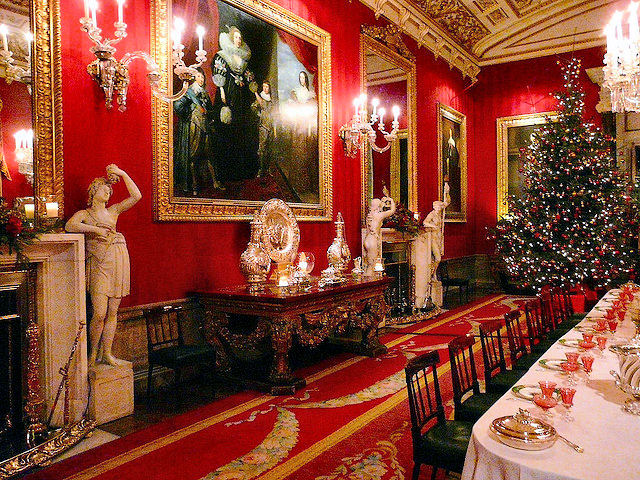 Stunning Christmas displays can be found through the magnficent Chatsworth House. Photo: Kev747.