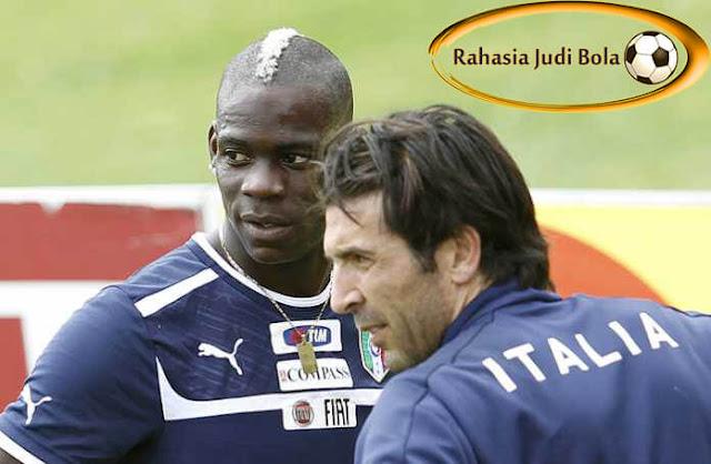 Gianluigi Buffon_Mario Balotelli_RahasiaJudiBola