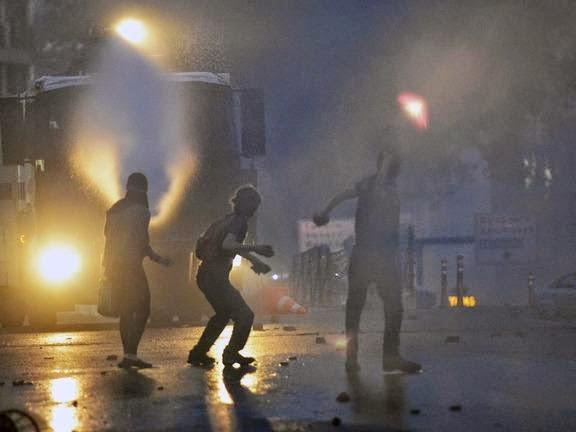 Εκτός ελέγχου η κατάσταση στα Σκόπια μετα τη δολοφονία νεαρού σπουδαστή από όχλο Αλβανών!