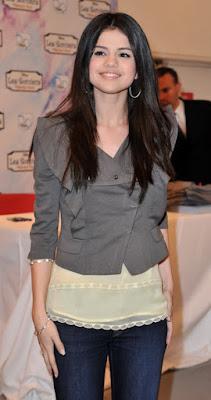 Selena Gomez Hairstyle Ideas for Teen Girls