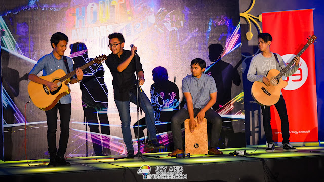 LOKA Band performing at The Shout! Awards 2013 Nominees Party Dan Azreen (Vocalist), Moe (Guitar), Gast (Drummer) and Adib (Guitar)
