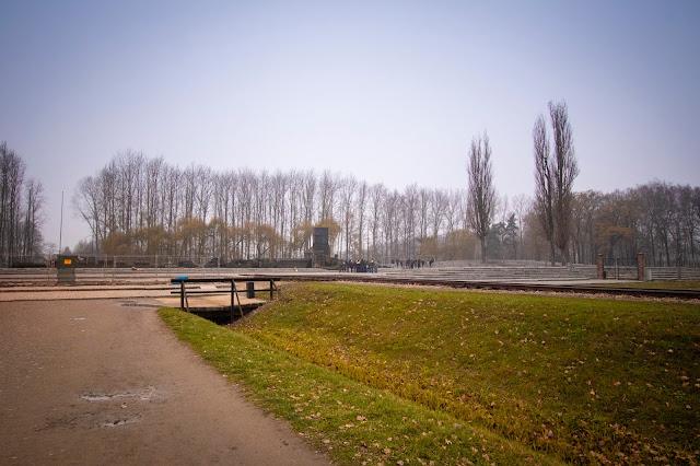 Binari del campo di concentramento di Birkenau