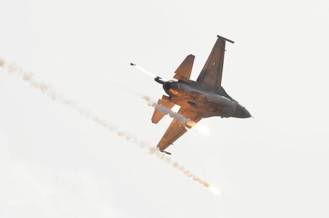 Θρίλερ με F-16 στην άσκηση Παρμενίων -Διέκοψε σύσκεψη ο Καμμένος