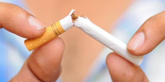 Apakah Benar Merokok Dapat Menyebabkan Osteoporosis?, benarkah merokok bisa memicu osteoporosis?