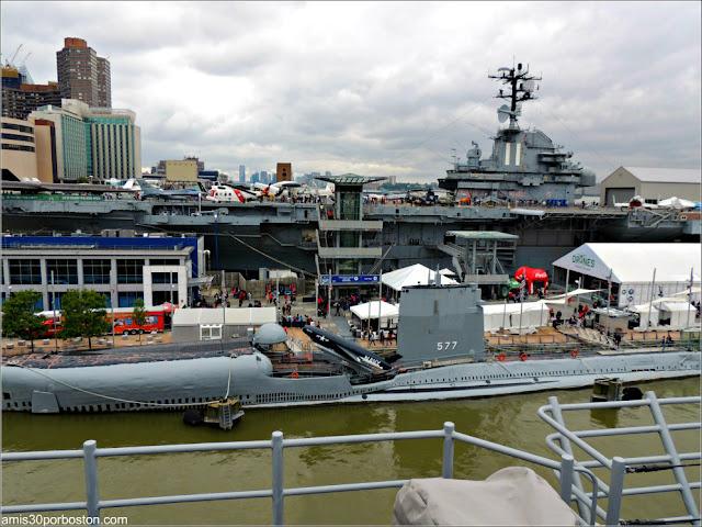 Terminal de Cruceros de Manhattan durante la Fleet Week de Nueva York