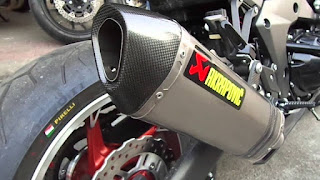 Honda CBR 125 Scorpion VS Akrapovic sports race exhaust