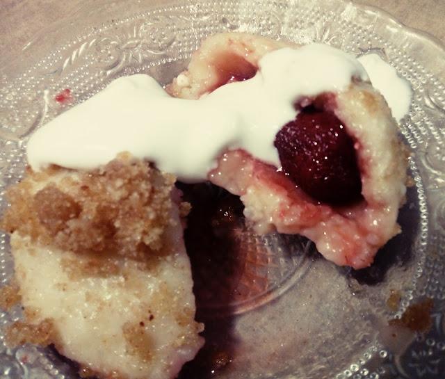 knedle ziemniaczano serowe z truskawkami knedle z owocami kluski z owocami knedle z bulka tarta na maselku kluski ziemniaczane pozywny deser obiad na slodko pyzy kartacze cepeliny