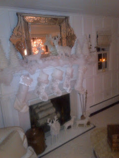 Sandra Lee Christmas Mantle