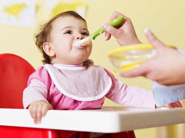 كيفية التعامل عناد الطفل فى الأكل