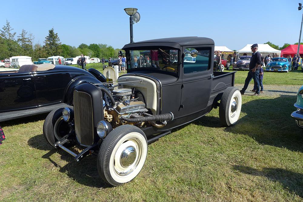 boogie bop show festival musique rockabilly vintage style stand véhicules historiques anciens
