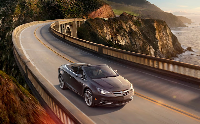 Front 3/4 view of 2016 Buick Cascada