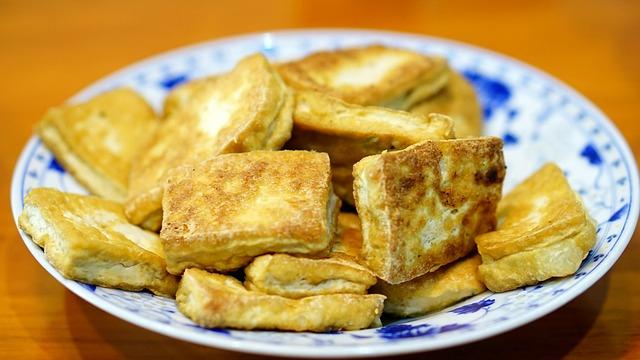Puedes dorar el tofu sin utilizar aceite