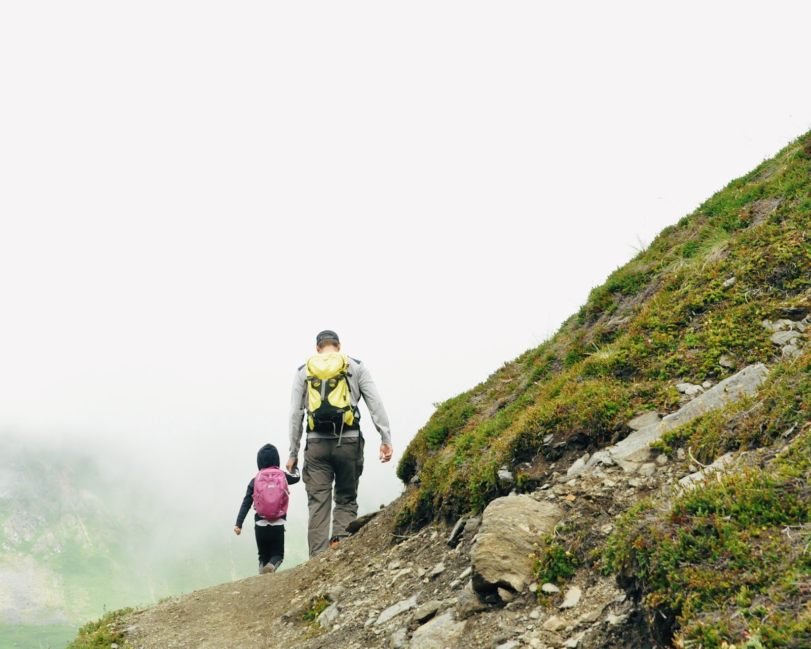 hike family hatcher pass