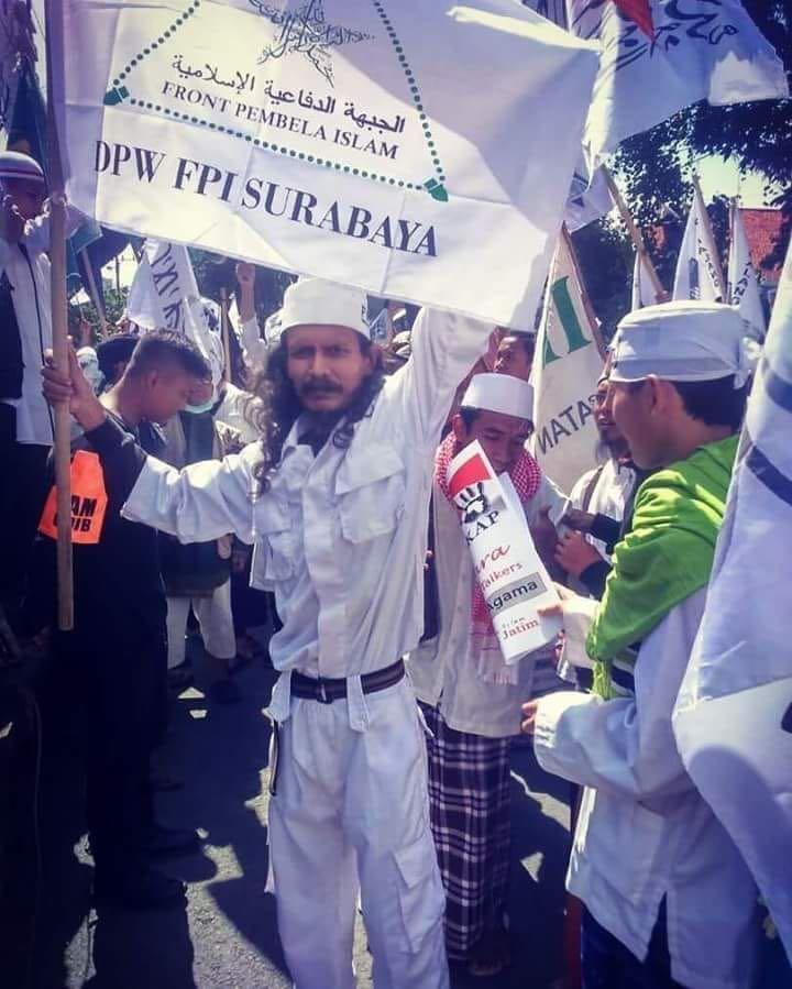 Ini Anggota FPI Surabaya dan No Plat Mobilnya yang Maki Banser 'Idiot'
