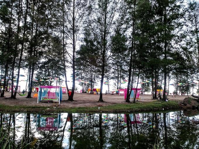 Liburan Ceria Di Pantai Warna-Warni Kuala Leupung, Aceh Besar