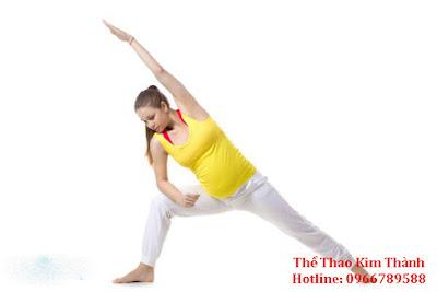 Động tác Extended Side Angle Pose cho bà bầu