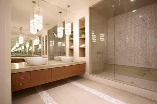 36 banheiros modernos e contemporâneos + dicas de cores e revestimentos!  De -> Banheiro Estilo Moderno