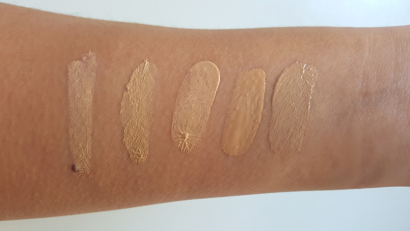 Illusion Tinted Moisturizer by Hourglass #7