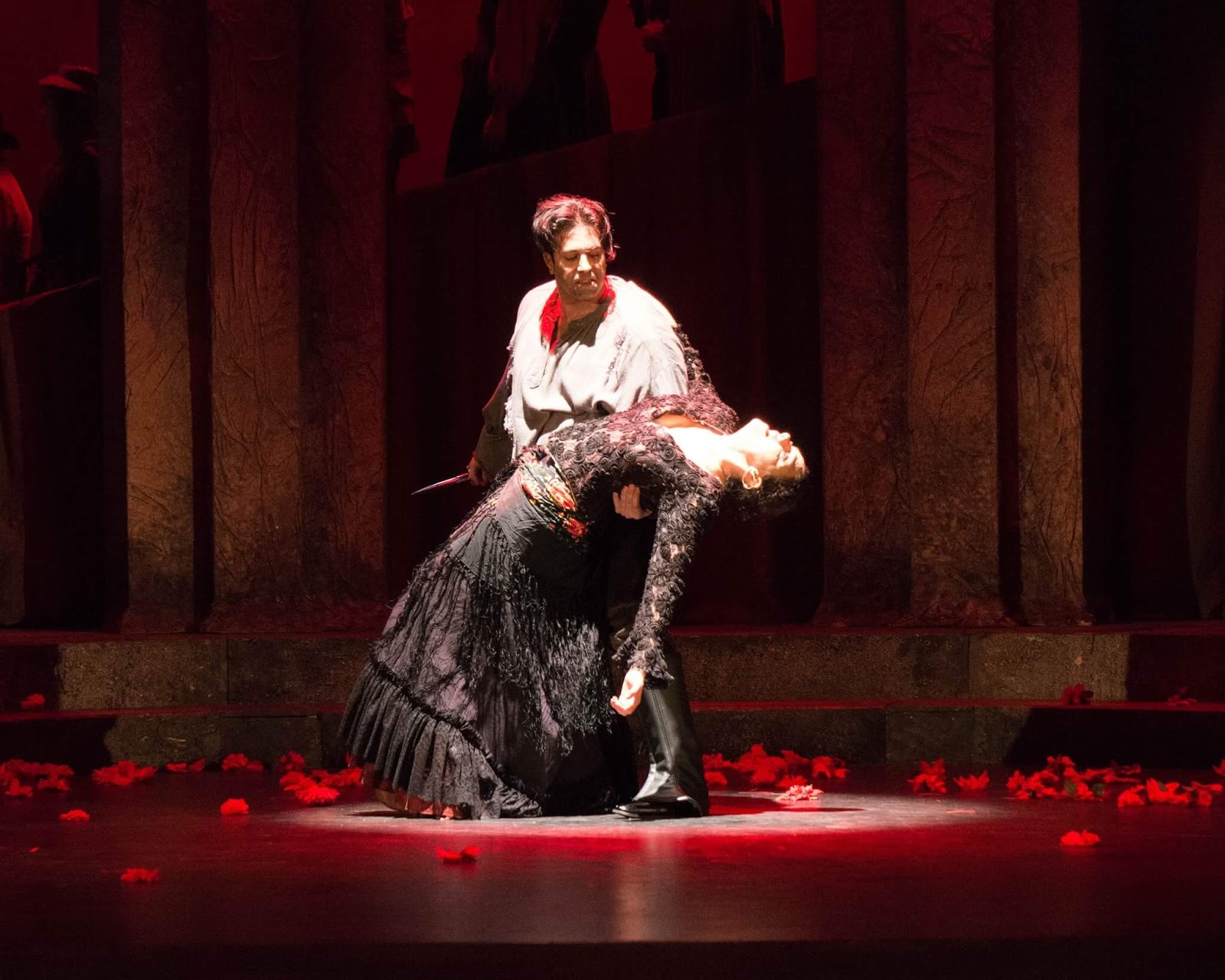 IN PERFORMANCE: Mezzo-soprano SANDRA PIQUES EDDY as Carmen and tenor DINYAR VANIA as Don José in Greensboro Opera's production of Georges Bizet's CARMEN, January 2017 [Photo © by Greensboro Opera]