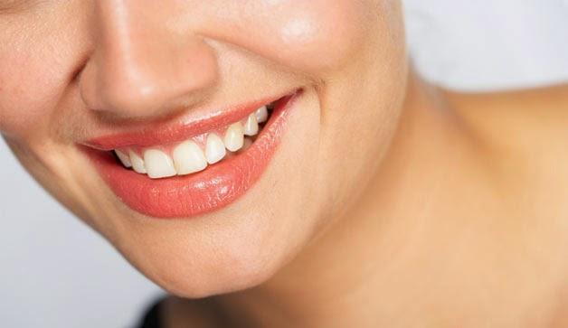 http://kesehatanpadaanda.blogspot.com/2015/01/7-cara-memutihkan-gigi-secara-alami.html