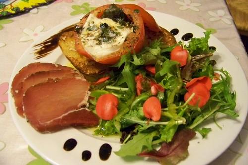 cuisine en folie assiette estivale italienne de donna hay. Black Bedroom Furniture Sets. Home Design Ideas
